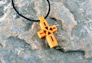 как носить крестик