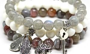 Где можно выбрать браслеты из камней?