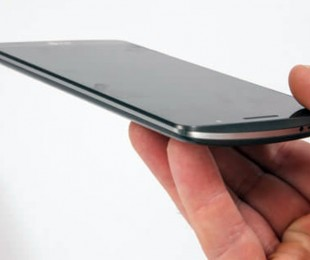 Где заказать замену стекла смартфона любого года выпуска?