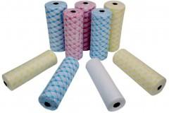 Где применяют одноразовые полотенца в рулонах?